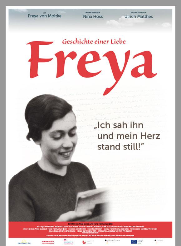 """Kinoplakat für den Film """"Freya - Geschichte einer Liebe"""" zeigt ein Jugendfoto von Freya von Moltke neben dem Zitat """"Ich sah ihn und mein Herz stand still""""."""